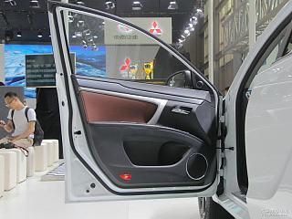 2017款 1.5T CVT运动尊贵型