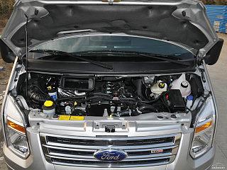 2013款 2.4T柴油豪华型短轴中低顶国IV