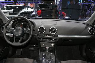 Limousine 40 TFSI 风尚型