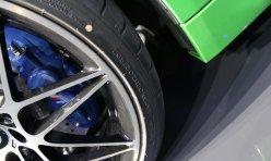 平行百科:Vossen改装宝马M4 红色轮毂上身