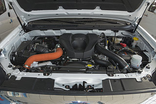 3.0T 手动四驱劲擎版 5座