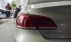 汽车资讯:汽车润滑油颜色变灰或变白咋回事?