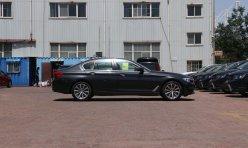 热点话题:全新奔驰E级尾灯实拍图 可自动调亮度