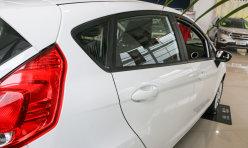 评测精选:售7.99万起 2011款福特嘉年华在沪上市