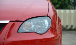 评测精选:成都莲花L3车灯改装Q5海拉LED日行灯双光透镜氙气大灯总成