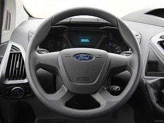 2.0T汽油多功能商用车中轴中顶