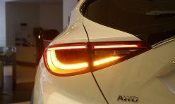 导购精选:奔驰c260改装大灯 改装双光透镜加飞利浦灯泡