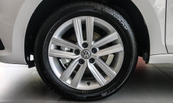 汽车导购:新桑塔纳高低配谍照曝光 雾灯轮毂有差别