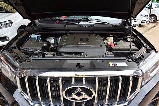 2.8T柴油手动两驱高底盘舒适型大双排国IV