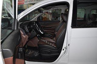 风行SX6座椅
