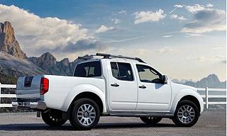 日产Navara皮卡2.5柴油  手动 四驱 2014款中东版