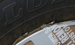 行业新闻:奔驰GL550黑色外观米色内饰现车 报175万