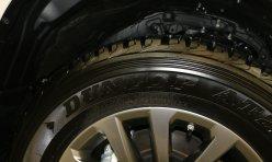 汽车资讯:16款中东版霸道2700丐版后挂备胎价位低