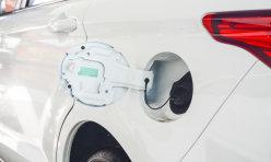 热点话题:一汽奔腾2012款奔腾B50闪耀登陆津门