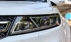 用车技巧:秀生活:自己动手清理众泰T600空调滤芯