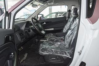 眾泰E200座椅