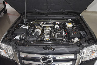 2.8T柴油国V两驱精英型中双CA4D28C5-1B