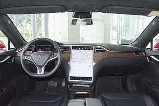 Model S中控