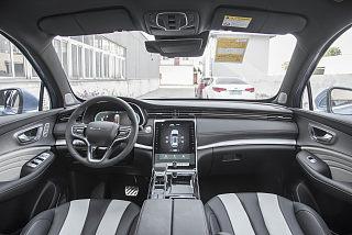 400TGI 自動智能座艙旗艦版