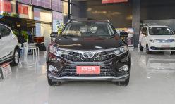用车技巧:首款SUV东南DX7内饰首次发布 东南DX7同年5月启动预售