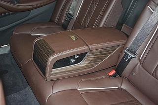 宝马5系新能源座椅