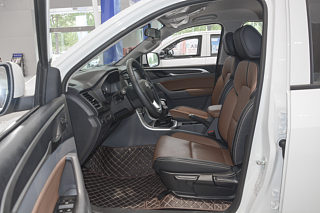 上汽MAXUS T70座椅