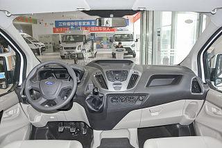 2.0T柴油商旅车短轴低顶7座国VI