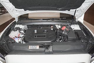 2.0T 两驱MONO限量尊耀版 MONO WHITE