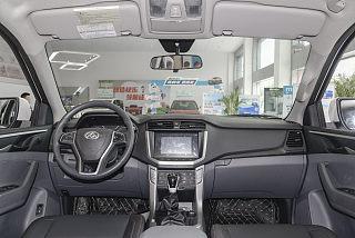 2.0T柴油手动四驱高底盘先锋版长厢国VI