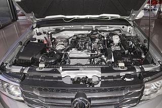 2.4T柴油两驱小康版长货箱YCY24165-61