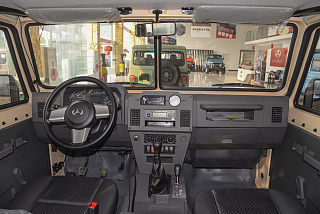 2.4T柴油四驱3035轴距分体单排YCY24140-60A