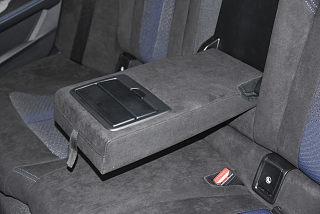 宝马2系座椅
