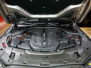 M760Li xDrive V12 耀影特别版
