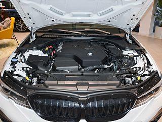 330Li xDrive M运动曜夜套装